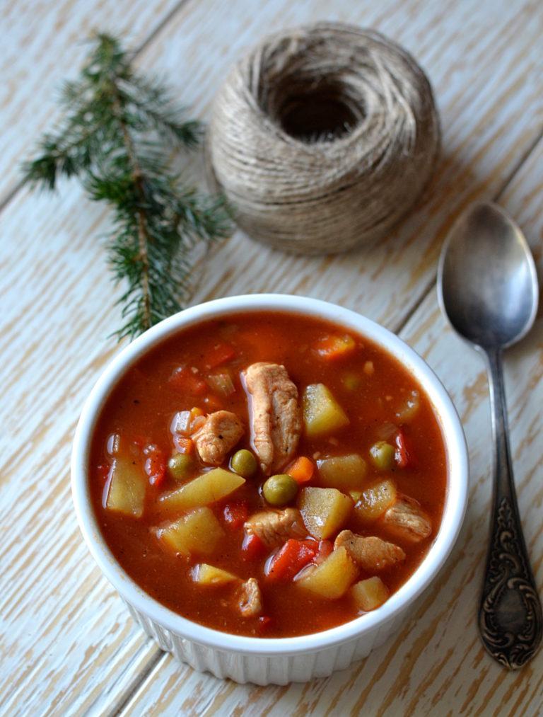 Rozgrzewająca zupa a'la gulaszowa